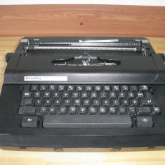 Masina de scris - Masina electrica de scris PRIVILEG 530C