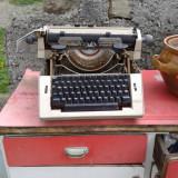 Masina de scris ptr decor veche .
