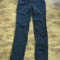 Pantaloni de dama subtiri VERSACE JEANS COUTURE originali, marimea 30, M - Pantaloni dama Versace, Marime: M, Culoare: Negru, Lungi, Poliester