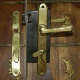 Set maner  clanta cu yala,  cheie si ornamente usa  Art Deco 1