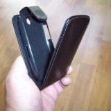 Husa flip neagra pentru telefon LG Optimus Me P350