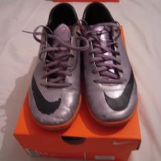 Vand ghete de fotbal Nike Mercurial CR7, marimea 43, folosite - Ghete fotbal Nike, Culoare: Albastru, Barbati, Sala: 1, Teren sintetic: 1