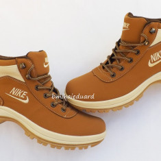 BOCANCI NIKE MANDARA - Bocanci barbati Nike, Piele sintetica
