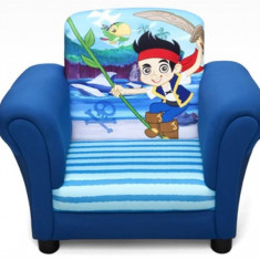 Set mobila copii - Fotoliu Cu Cadru Din Lemn Disney Jake Si Piratii Din Tara De Nicaieri