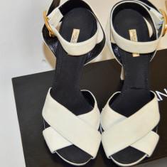 Sandale Dolce & Gabbana, NOI, (originale) Marimea 38, din piele (D&G) - Sandale dama D&G, Culoare: Alb, Piele naturala