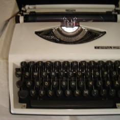Masina de scris TRIUMPH TIPPA S