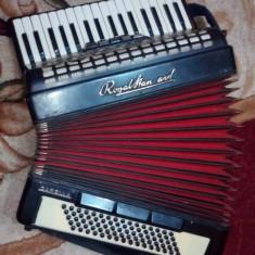 Acordeon Altele - Royal Standard Capella-80 basi