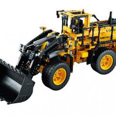 Incarcator cu roti VOLVO L350F teleghidat (42030) - LEGO Technic