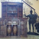 Bar Spaniol 3 piese,masa cu banchete si frapiera,lemn masiv,soldat Roman,unicate
