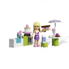 Cofetaria in aer liber a Stephaniei (3930) - Roboti de jucarie