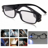 Ochelari pentru citit dotati cu 2 LED-uri