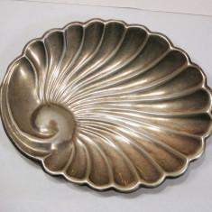 Tava platou bomboniera tip scoica de argint 61 grame, Tacamuri