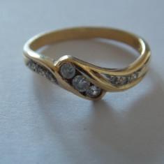 Inel aur 18k cu 9 diamante, Culoare: Galben