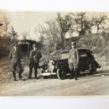Fotografie veche - FOTO OFITERI GERMANIA NAZISTA LANGA AUTOTURISM DECAPOTABIL ANII 30
