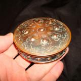Cutie metal, pudriera veche din alama/cupru, vintage, colectie si decor - Metal/Fonta, Cutii