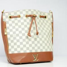 Geanta / Poseta dama de umar sau mana Louis Vuitton LV + Cadou Surpriza - Geanta Dama Louis Vuitton, Culoare: Din imagine, Marime: One size, Geanta saculet, Asemanator piele
