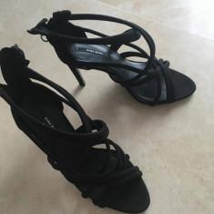 Sandale Zara cu toc - Sandale dama