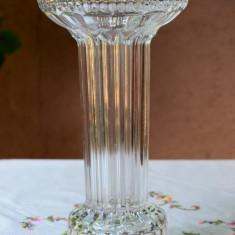 DEOSEBITA VAZA INALTA SI MASIVA DIN CRISTAL L 11 - Vaza sticla
