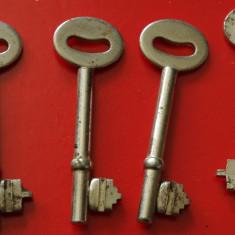 Metal/Fonta - Lot 4 bucati - cheie veche pentru lucruri vechi !!!