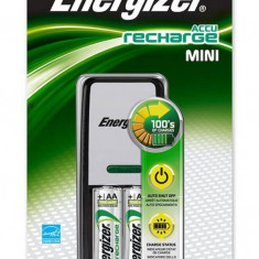 Energizer ENERGIZER Mini incarcator + 2 baterii Power Plus AA reincarcabile incluse, 7638900274820 - Baterie Aparat foto