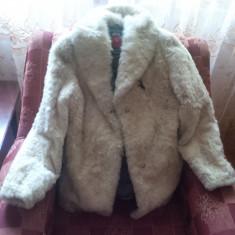 Haina blana naturala buclata (carachiul) - Palton dama, 48, Crem