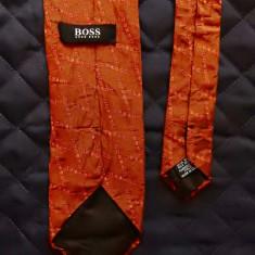 Cravata Hugo Boss Made in Italy; 100% matase; 149 cm lungime totala - Cravata Barbati, Culoare: Din imagine