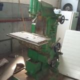Masina de frezat - Freza universala