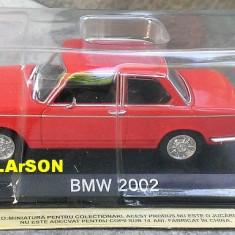 Macheta auto, 1:43 - Macheta metal DeAgostini BMW 2002 +revista Masini de Legenda 73