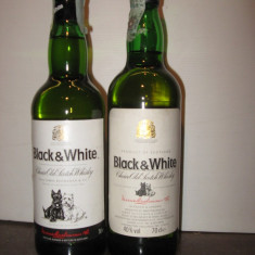 2 sticle whisky black & white cl 70 gr 40 ani 70-80