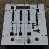 Boxe Bose, Boxe podea, 161-200W - MIXER Behringer DX 626