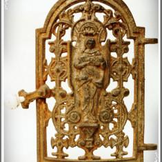 UȘĂ VECHE DE LA UN CUPTOR DE FONTĂ TURNAT LA ANINA ÎN ANII 1900 - SF. VARVARA! - Metal/Fonta, Ornamentale