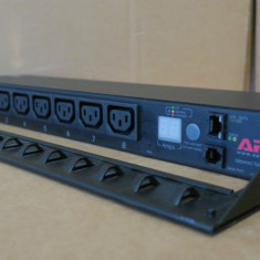 APC Metered Rack AP7821 PDU 16A 8 x C13 1U - Unitate optica externa