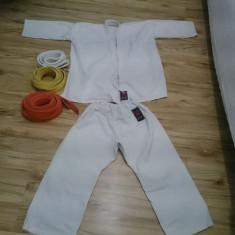 Kimono karate 8-12 ani + 3 centuri, alba, galbena, portocalie.
