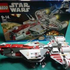 LEGO STAR WARS - REPUBLIC FREGATE, 10-14 ani