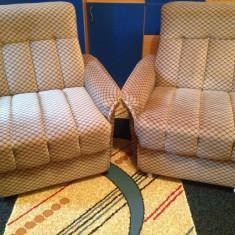 Vând 2 fotolii din material textil - Fotoliu living