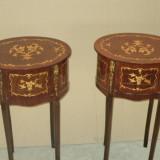 Superb set de 2 comodine cu 3 sertare din lemn furnuruit si intarsiat