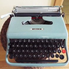 Masina scris OLIVETTI Lettera 22 - Masina de scris