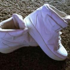 Vand ghete Air Force - Ghete dama Nike, Marime: 36, Culoare: Alb