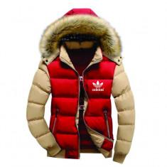 Geaca Adidas iarna cu gluga si blana rosie maneci crem - Geaca barbati Adidas, Marime: S, Culoare: Rosu