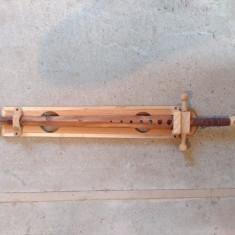 Sabie mare din lemn medievala