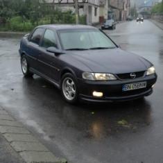 Opel vectra b. 1.6 16 V - Autoturism Opel, An Fabricatie: 1997, Benzina, 250000 km, 1600 cmc